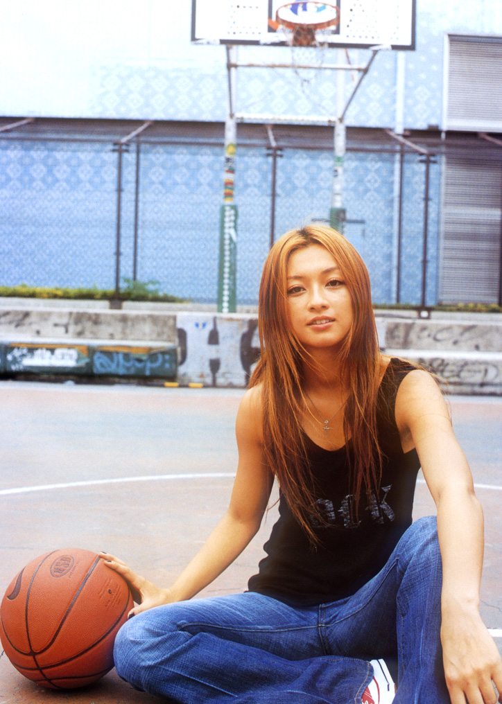 Tomiko Van on the basketball court