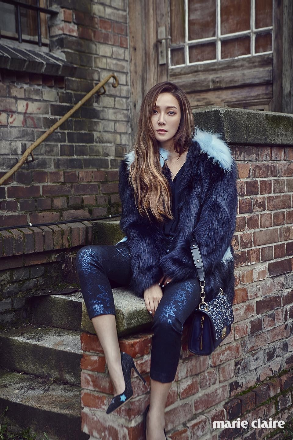 Jessica Jung in violet glamour N190628200305