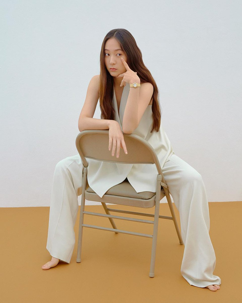Krystal Jung - ELLE Korea photos - on chair N190721161016