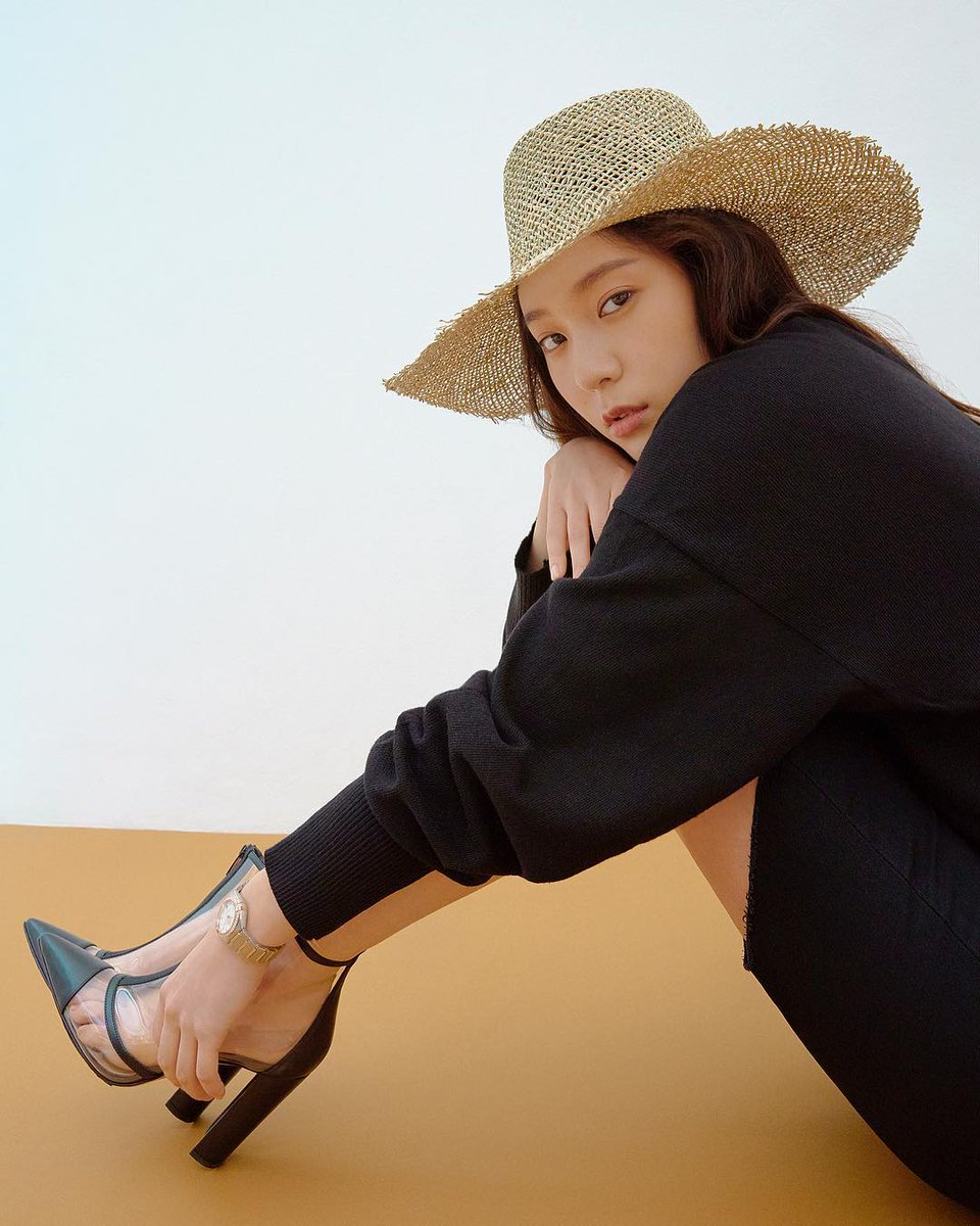 Krystal Jung - ELLE Korea photos - summer hat N190721161017