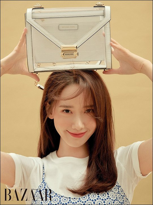 Yoona (SNSD) - Michael Kors x Harper's Bazaar Korea may 2019 - stylish bag N190721161018