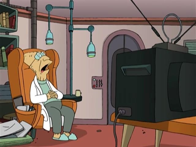 Профессор Хьюберт Фарнсворт спит перед телевизором. Futurama.